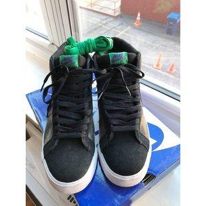 Nike SB Dunk Mid Pro. Size 10.